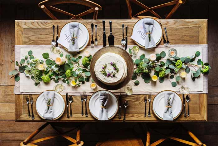 Rustic table linen